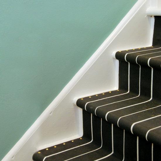 diy stair runner | dwellinggawker