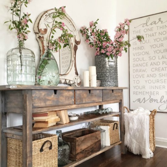 Farmhouse Family Room Decor Tips