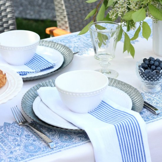 Casual Outdoor Brunch Tablescape