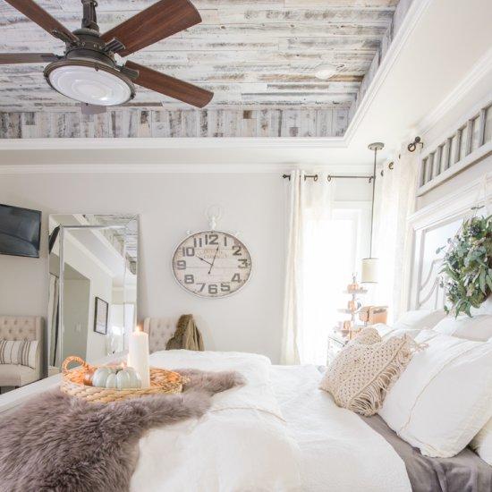 Cozy & Easy Fall Bedroom Decorating